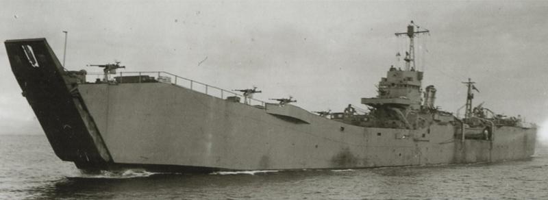 二等輸送艦146号=福井静夫著「写真日本海軍全艦艇史」ベストセラーズ1994年12月刊