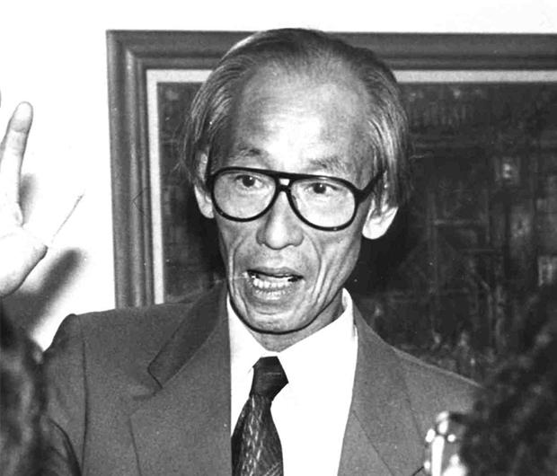 矢岡壮介さん=1995年9月6日、広島県呉市の戦後50年記念展会場で